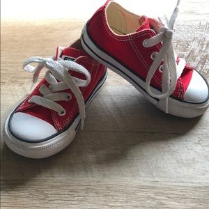 🚀 Converse Chuck Taylor All Star Low Top - 6C